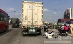 Xe máy va chạm container, một thanh niên tử vong