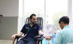 Bảo vệ, tạp vụ và người nước ngoài cùng hiến máu cứu người