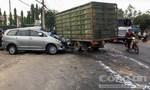 Xe tải tông xe 7 chỗ trên QL20, nhiều người bị thương nặng