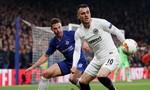 Clip thắng nghẹt thở Frankfurt, Chelsea vào chung kết