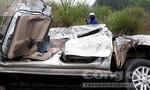 Xe tải tông xe bán tải bẹp dúm, tài xế chết thảm trong cabin