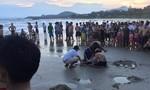 Năm học sinh đuối nước khi tắm biển, hai em tử vong
