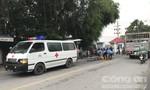 Xe máy ôm cua tông chết người phụ nữ bán vé số