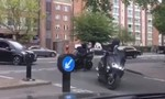 Clip 6 tên cướp đi xe tay ga, tấn công tiệm bán trang sức