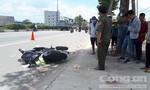 Chạy xe máy sát lề, người phụ nữ vẫn bị xe container cán chết