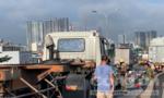 Tai nạn liên hoàn trên cầu Phú Mỹ, kẹt xe hàng cây số