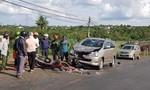 Thiếu niên 15 tuổi chạy xe máy lấn làn tông trực diện ô tô, 2 người nguy kịch