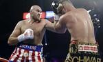 """Tyson Fury thắng knock-out """"độc cô cầu bại"""" người Đức"""