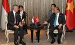 Thủ tướng Nguyễn Xuân Phúc phê phán phát biểu của Thủ tướng Lý Hiển Long