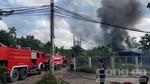 Cháy lớn cơ sở phế liệu ở ven Sài Gòn