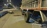 Tông vào bánh xe tải đang vá, thanh niên 18 tuổi tử vong