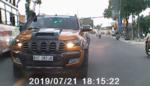 """Tước bằng lái tài xế xe bán tải lấn đường, gây """"bão"""" trên mạng"""