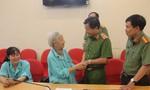 Công an TP.HCM thăm, tặng quà nhân Ngày Thương binh liệt sĩ