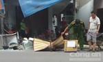 Cột điện đổ đè trúng người đi đường tử vong