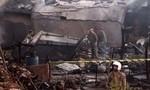 Máy bay quân sự rơi xuống khu dân cư, 27 người thương vong