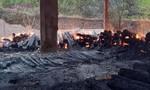 Cháy nhà kho, 160 tấn gỗ hương bị thiêu rụi