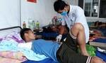 Thiếu niên phải cắt bỏ cánh tay vì tự đắp lá thuốc trị rắn cắn