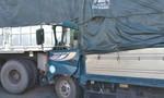 Tông đuôi ôtô nổ lốp dừng giữa cao tốc, tài xế xe tải tử nạn thương tâm