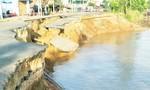 """Toàn bộ mặt đường QL91 đã bị sông Hậu """"nuốt chửng"""""""