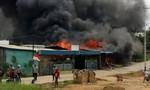 Người biểu tình đốt phá nhà tù, hơn 250 tù nhân vượt ngục
