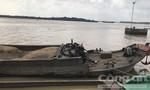 Cát tặc trên sông Đồng Nai dùng dao, kiếm tấn công lực lượng vây bắt