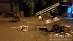 Xe máy tông hai mẹ con đẩy xe hủ tiếu ở Sài Gòn, 3 người nhập viện