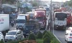 Cầu Rạch Miễu ùn tắc phía Tiền Giang gần 4km