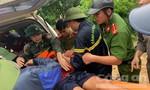 Công an tiếp cận vùng 'rốn' lũ Quan Sơn cứu nhiều người dân mắc kẹt