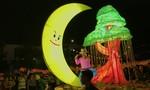Sôi động đêm hội trăng rằm đầy màu sắc