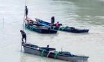 Hai người thương vong khi khai thác cát trái phép trên sông