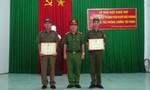 Khen thưởng hai công an viên truy đuổi 5km bắt tên trộm