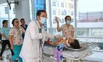 Hơn 20 bác sĩ cứu sống nữ sinh bị xe tông trên đường đi học về