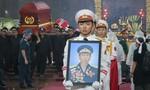 Tiễn đưa linh cữu Đại tá phi công Nguyễn Văn Bảy về Đồng Tháp