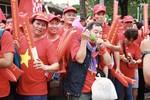 Cổ động viên Việt Nam có mặt tại Thái Lan, tiếp sức cho đội tuyển