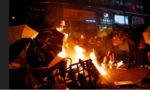 Cảnh sát Hong Kong xịt hơi cay ngăn người biểu tình tiến vào sân bay