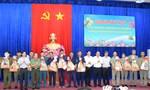 Phó Thủ tướng tặng quà Tết cho đồng bào tại TPHCM và Long An