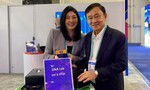 Anh em nhà Thaksin đến triển lãm công nghệ giới thiệu về công ty mới