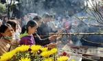 Người dân nô nức lễ chùa cầu an đầu năm