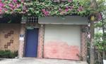 Trạm gác bảo vệ khu dân cư ở Sài Gòn bị côn đồ tấn công