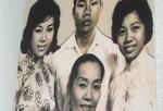 """""""Kỳ nữ"""" Kim Cương xúc động trong triển lãm ảnh về NSND Bảy Nam"""