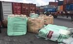 TPHCM: Bắt lô hàng lậu ngụy trang tinh vi bằng tấm nhựa PVC