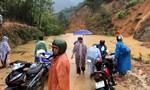 Các huyện miền núi Quảng Nam bị sạt lở cô lập, học sinh phải chuyển trường