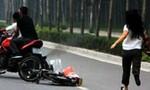 Truy nóng 3 đối tượng phục kích cướp xe máy nữ công nhân