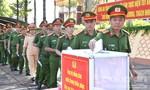 Công an Gia Lai quyên góp ủng hộ đồng bào miền Trung