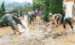 Xúc động hình ảnh lực lượng Công an giúp dân khắc phục bão lũ
