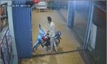 Bắt kẻ nghiện trộm 2 xe máy và 1 ĐTDĐ trong 1 ngày
