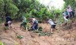 Đề nghị Chính phủ dùng trực thăng tiếp tế lương thực cho 3.000 người bị cô lập