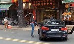 """Bị thanh niên đập ôtô BMW, nữ tài xế tông xe """"trả thù"""" gây náo loạn ở Sài Gòn"""