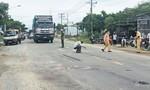 Một người bị xe cán đứt lìa tay sau va chạm giao thông