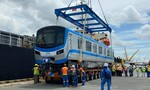 Những toa tàu đầu tiên của tuyến Metro Bến Thành - Suối Tiên cập cảng Khánh Hội